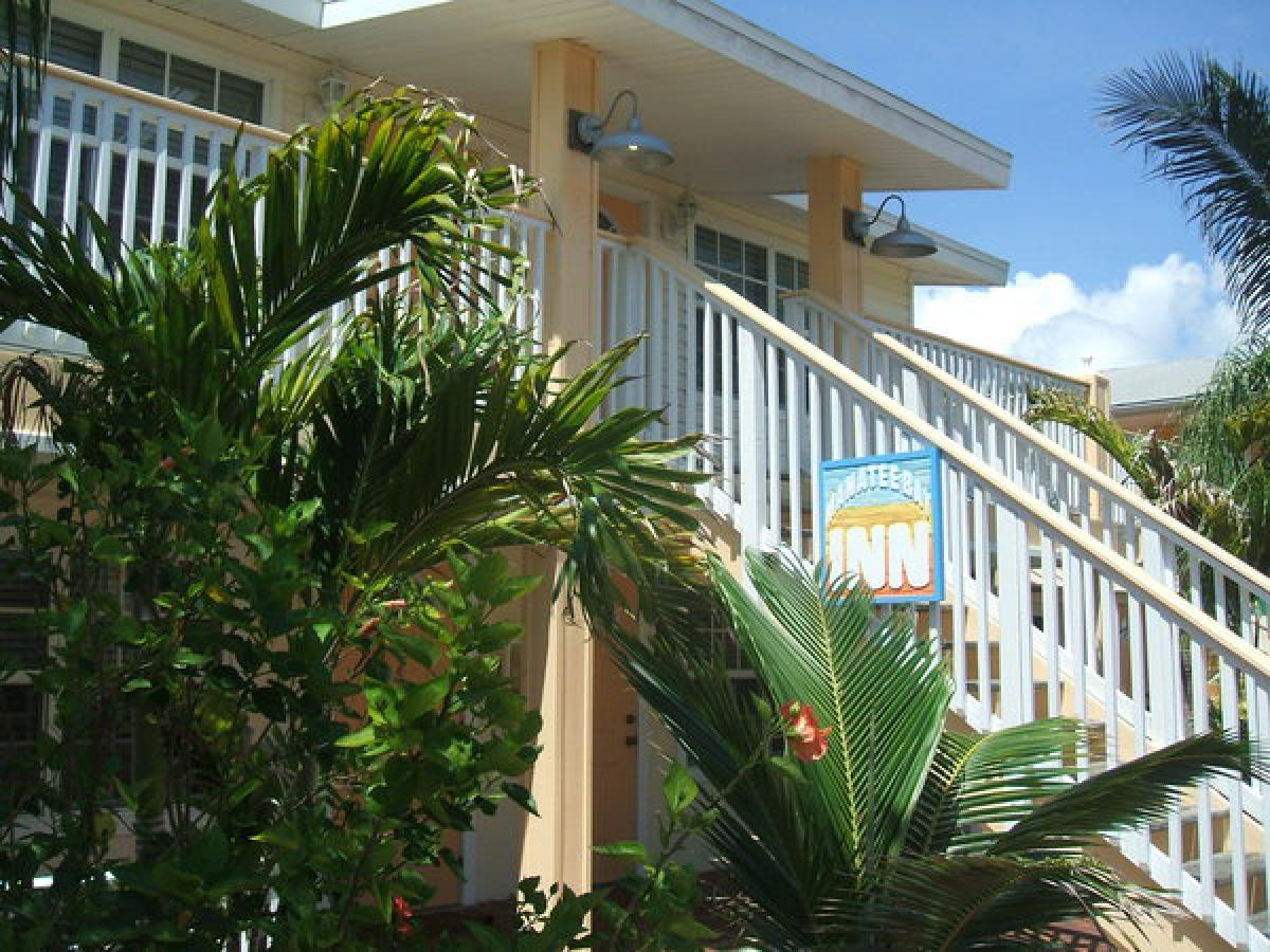 Manatee Bay Inn ski-teacher